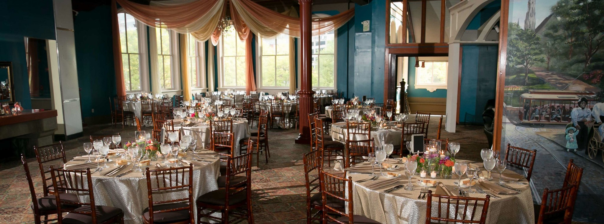 Wedding Reception Set-up in 1840s City Lites - Sachs Photography