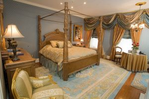 Four Poster Bed in the Patriot's Room 102