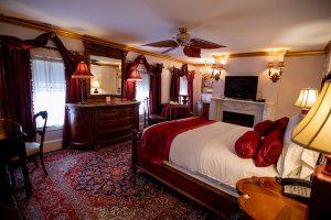 Estate Room 303