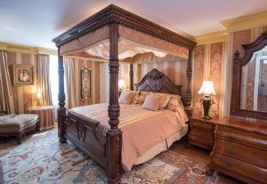 Four-Poster Bed in Declaration Suite (101)